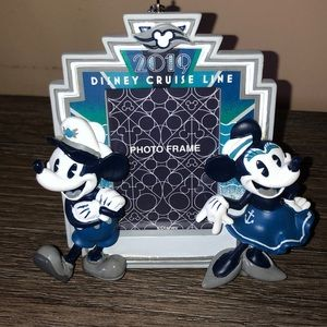 Disney 2019 Cruise line photo frame ornament